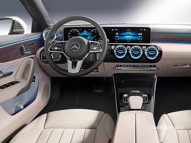 Mercedes-Benz A 180 D SEDAN
