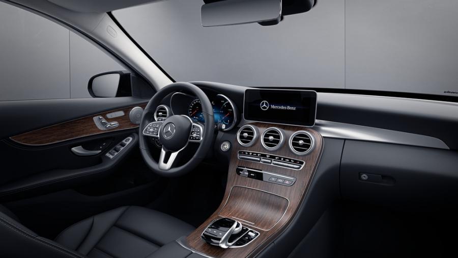 Mercedes-Benz C 300 DE SEDAN