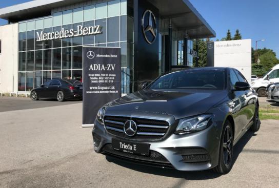 Mercedes-Benz E 300 DE SEDAN